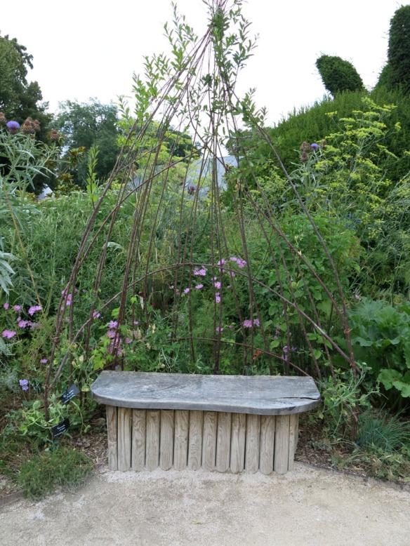 Trädgårdsbänk 2