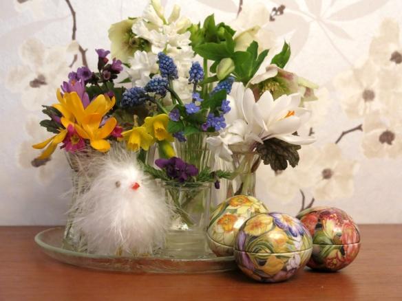 1 april 15 påsk vårbukett vårblommor 1
